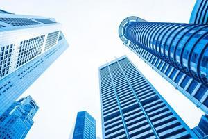 edificios de oficinas rascacielos foto