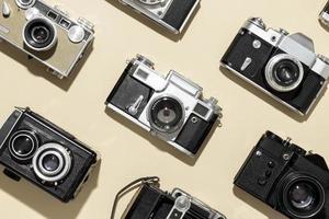 cámaras de fotos antiguas en plano