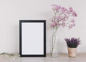 fondo de marco de flores moradas foto
