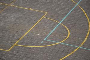 cancha de baloncesto de la calle en la calle foto