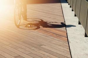 silueta de sombra de bicicleta, modo de transporte en bicicleta foto