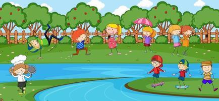 escena al aire libre con muchos niños jugando en el parque. vector