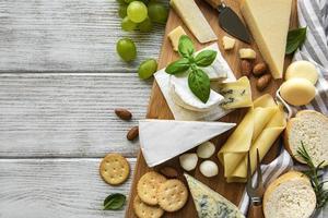 tabla de quesos y espacio de copia foto