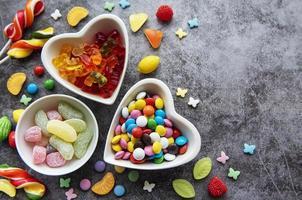 dulces en platos foto