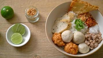 Spicy Small Flat Rice Noodles with Fish Balls and Shrimp Balls without Soup video