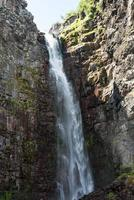 vista de la cascada njupeskar foto