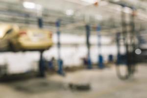 taller de reparación de automóviles borrosa foto