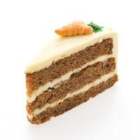 pastel de zanahoria aislado sobre fondo blanco. foto
