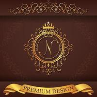 alfabeto heráldico oro premium diseño n vector