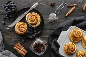 Cinnamon rolls arrangement top view photo