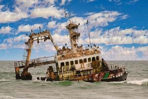 Zeila naufragio en el parque nacional de la costa de los esqueletos en Namibia foto
