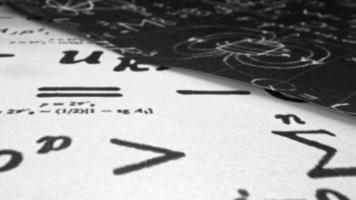 formules physiques et mathématiques video