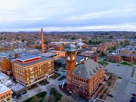 Madison, Wisconsin 2019- campus universitario de la Universidad de Wisconsin Stout desde vista aérea foto