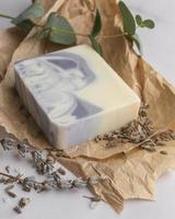 jabón natural de lavanda foto