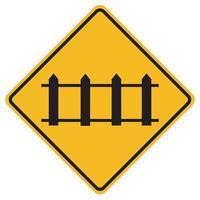 Señales de advertencia de cruce de ferrocarril con puertas automáticas sobre fondo blanco. vector