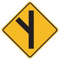 Señales de advertencia sesgado cruce de carreteras laterales a la izquierda sobre fondo blanco. vector