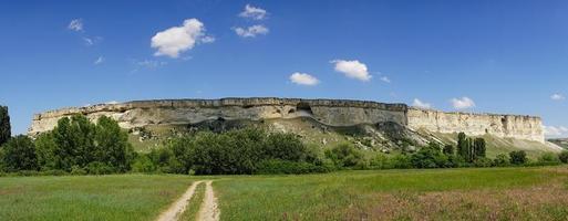 panorama del paisaje montañoso de ak-kay en crimea. foto