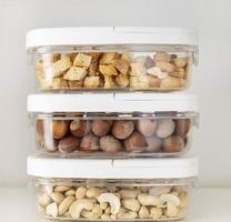 almacenamiento de alimentos en contenedores foto