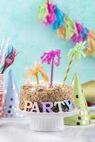 hermoso pastel de fiesta de cumpleaños foto