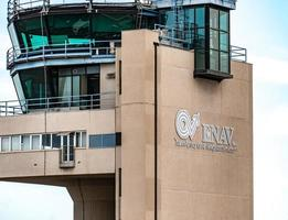 torre de control de tráfico aéreo enav foto