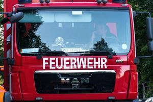 camión de servicio del departamento de bomberos alemán foto