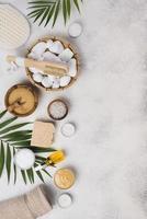 tratamiento de cuidado de la piel de vista superior con piedras de jabón. concepto de fotografía hermosa de alta calidad y resolución foto