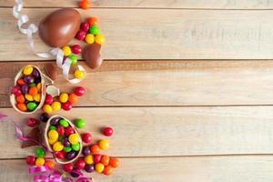 huevos de chocolate para vacaciones de pascua foto