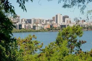 Vista de la laguna Rodrigo de Freitas en Río de Janeiro, Brasil foto