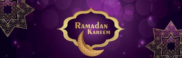 festival islámico ramadan kareem con luna dorada sobre fondo púrpura vector