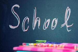 regreso a la escuela en la pizarra foto