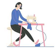 Mujer joven cosiendo en una máquina de coser industrial diseñadora de moda costurera o costurera en el trabajo ilustración de dibujos animados de vector aislado en fondo blanco