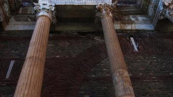 La antigua ciudad griega de Lidia Sardes en Turquía video