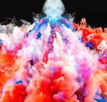 gotas de color en el agua foto