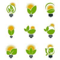 Símbolo de ecología logotipos de bulbo de verde con sol y hojas icono de elemento de naturaleza sobre fondo blanco. vector