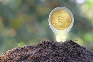 Moneda de criptomoneda y concepto de dinero en moneda digital foto