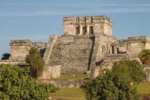 ruinas mayas del templo en tulum méxico foto