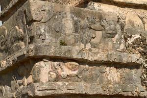 Detalle de las ruinas mayas del templo en Tulum, México foto