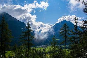 bosque alpino de solden foto