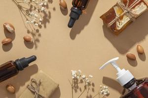 arreglo plano del producto para el cuidado del aceite de argán foto