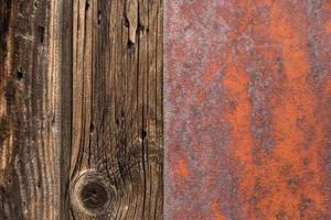 Pared de madera y metal oxidado foto