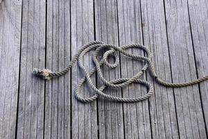 cuerda en el puerto marítimo foto