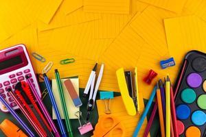 suministros de oficina de regreso a la escuela foto