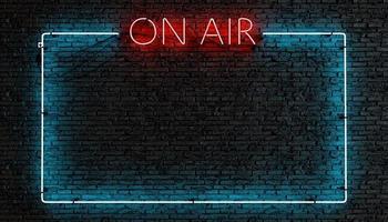 letrero de neón de on air frame logo en rojo y cuadro de texto iluminado foto