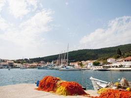 Redes de pesca en la isla de Cefalonia, Grecia foto