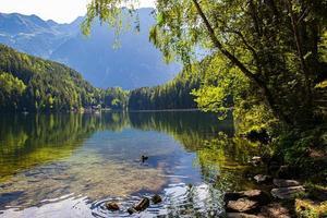 Lago piburger en los Alpes austríacos del Tirol foto