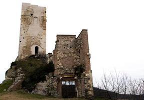 torre de piedra y ladrillo foto