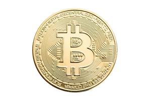Moneda bitcoin aislado sobre fondo blanco. foto