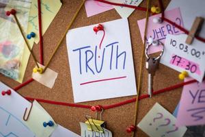 concepto de búsqueda de la verdad foto