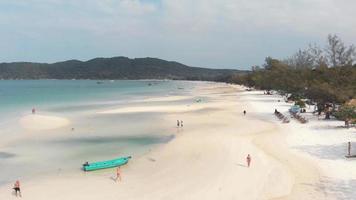 View of sunny tropical island Saracen Bay Beach, koh rong samloem video