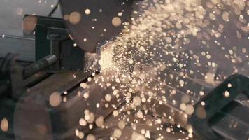 mortier outils de forage travailleur dalle de forage video